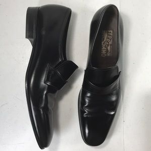 Salvatore Ferragamo black leather loafers sz 10 D